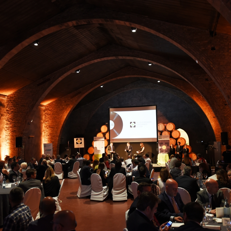 Imagen del lugar de la cena durante la entrevista al presidente del Col·legiu de Mediadors d'Assegurances de Lleida