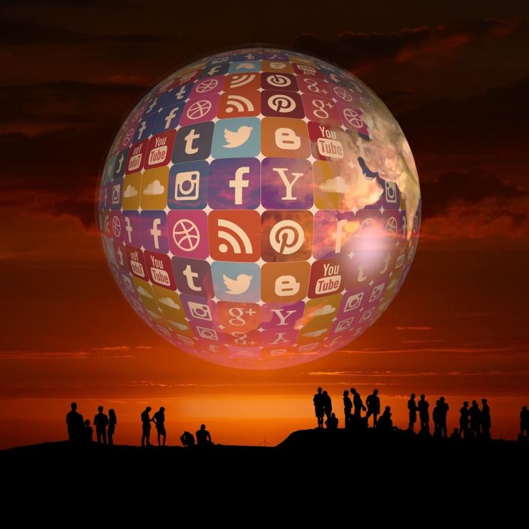 social-media-3751141_1920